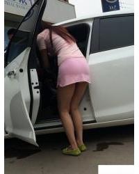 刷車的美女,這屁股翹的好像來一發[5p]主演: